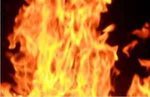 fuoco contro le erbacce