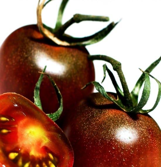 Perchè i pomodori neri fanno bene