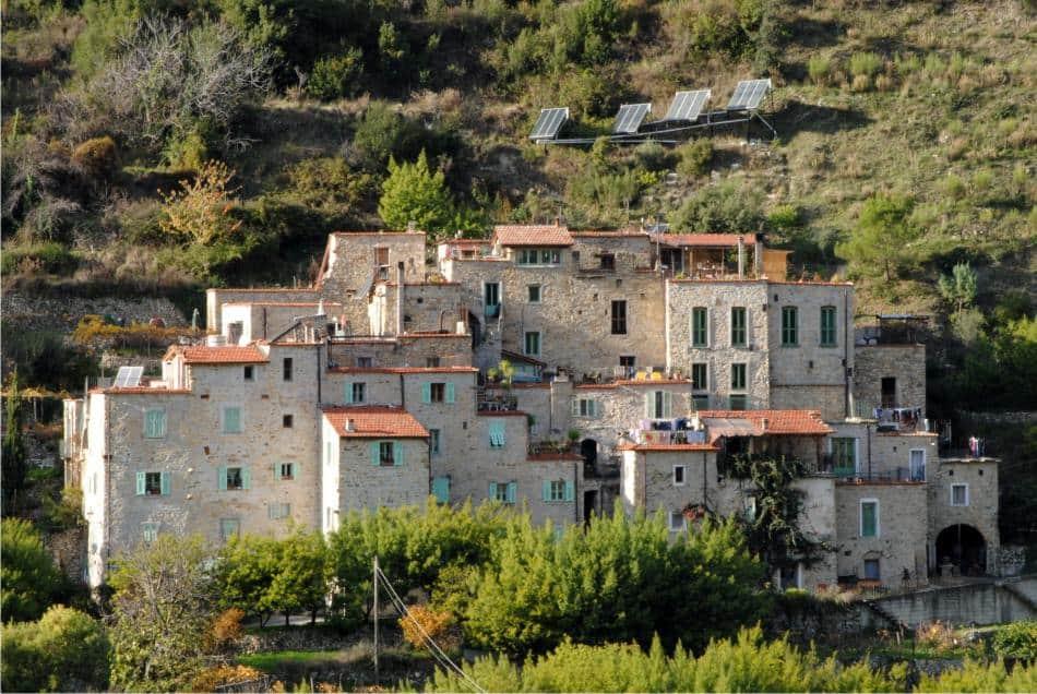Ecovillaggio Torri Superiori: turismo sostenibile in Liguria