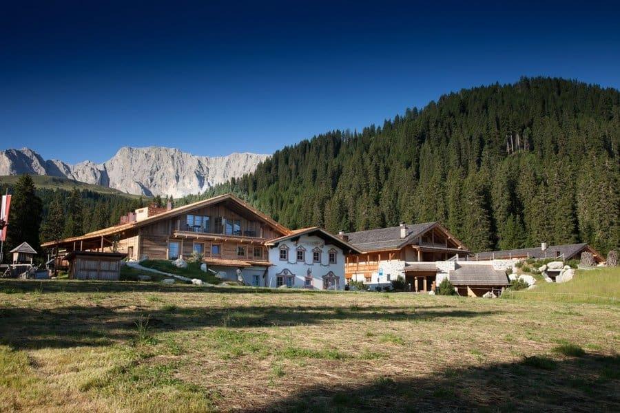 Un hotel in bioedilizia a 1750 metri sulle Dolomiti