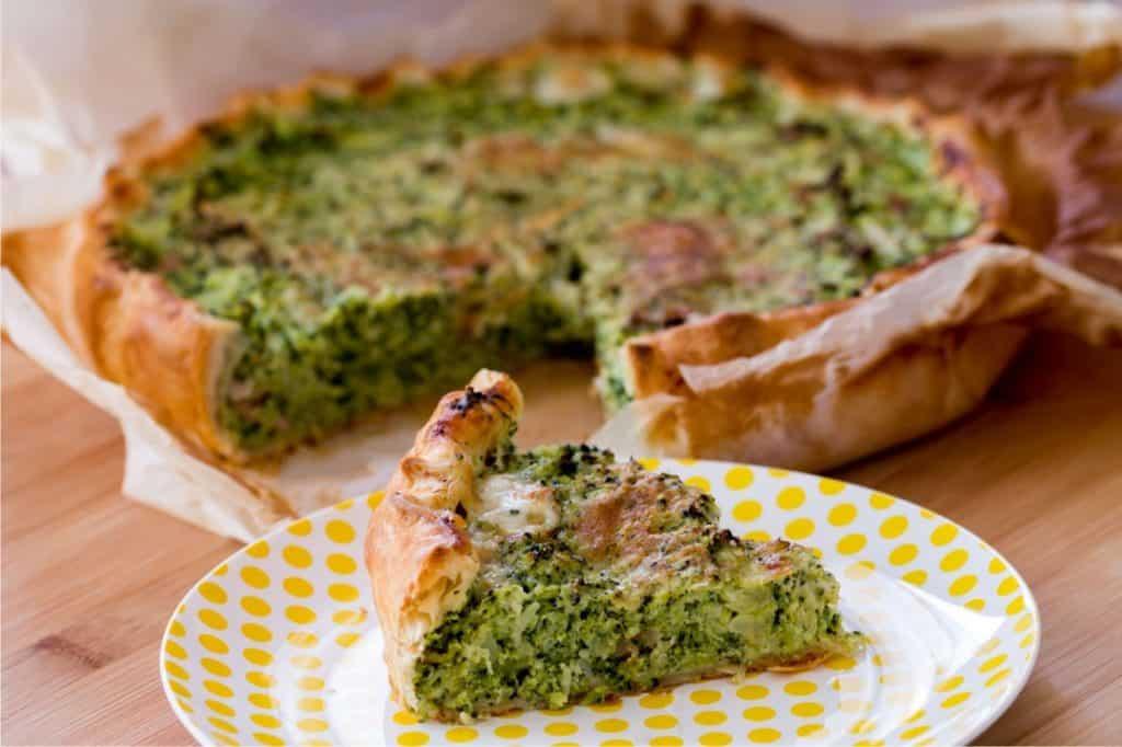 Torta salata ai broccoli con pancetta e taleggio