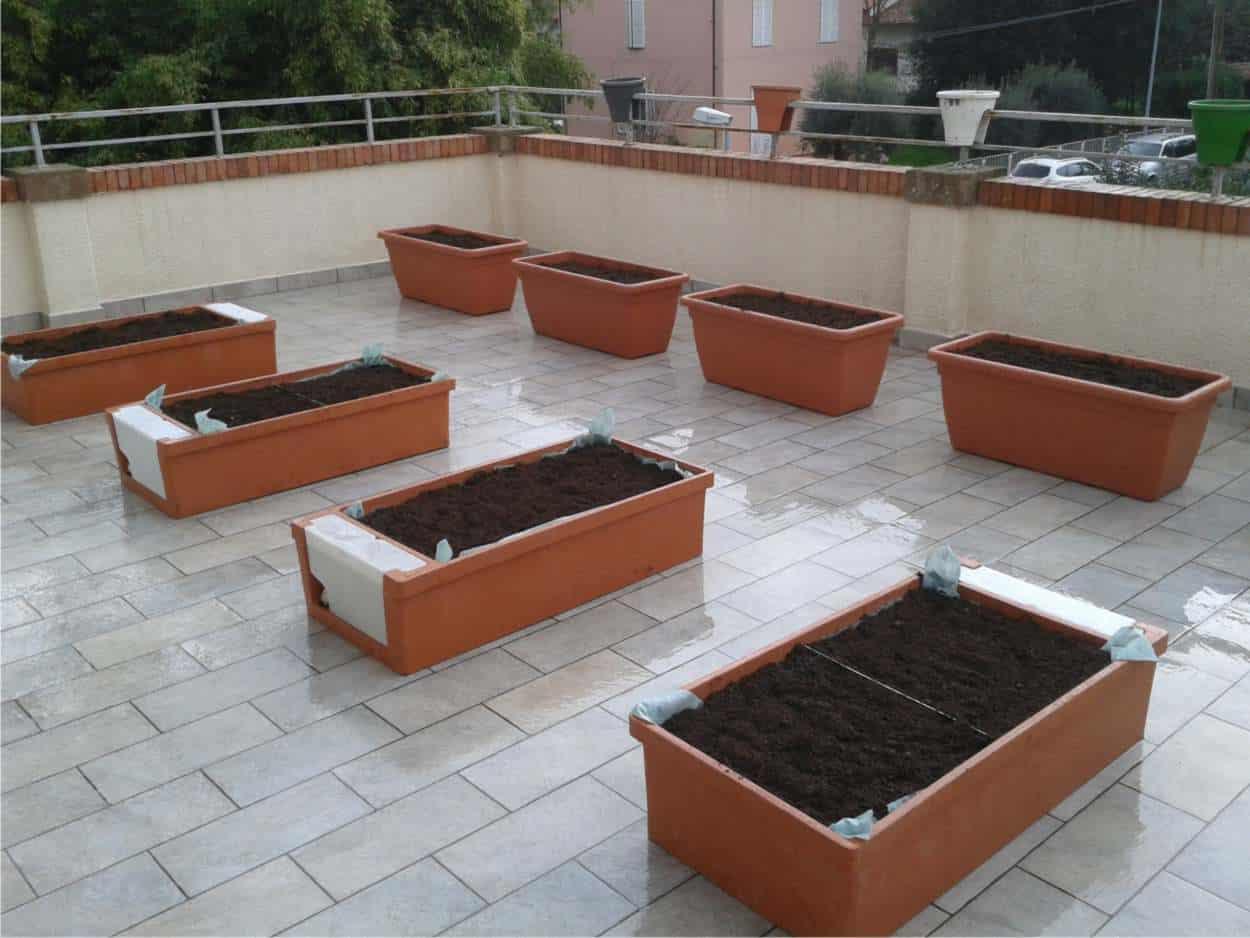 vasi pronto sul terrazzo