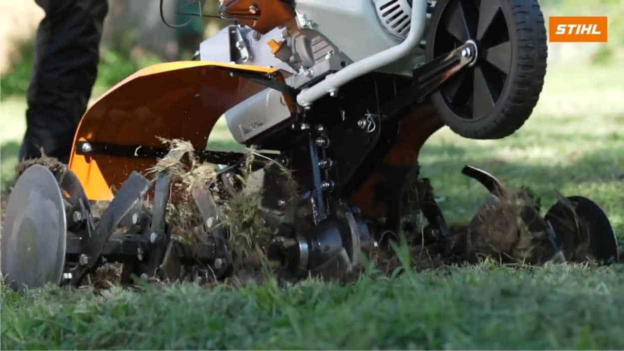Fresare l'orto: ecco quando usare la motozappa